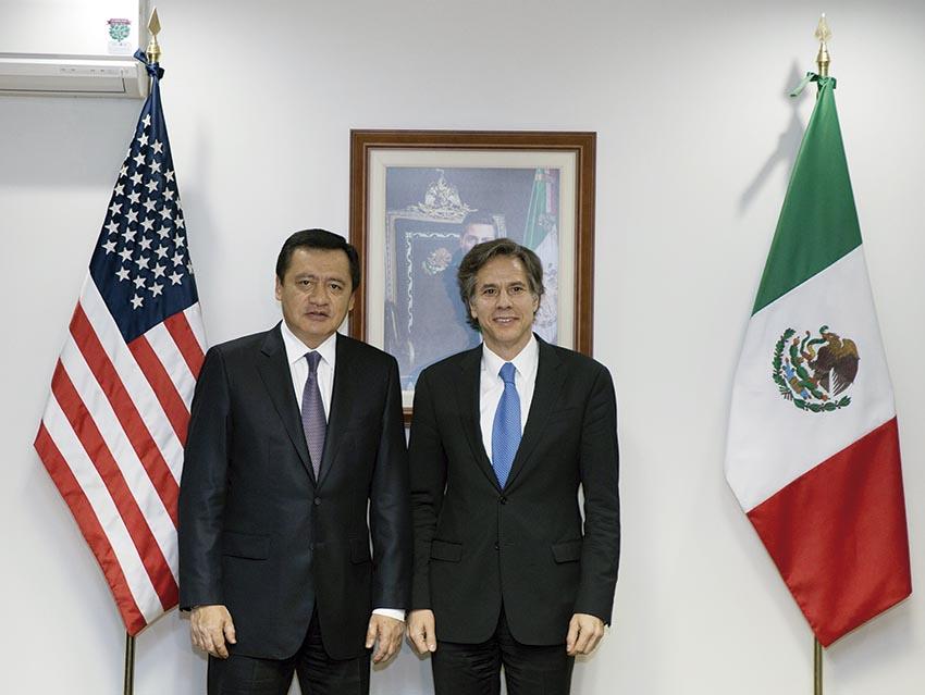 Photo of Se reúne el Secretario de Gobernación, Miguel Ángel Osorio Chong, con el Subsecretario de Estado de Estados Unidos