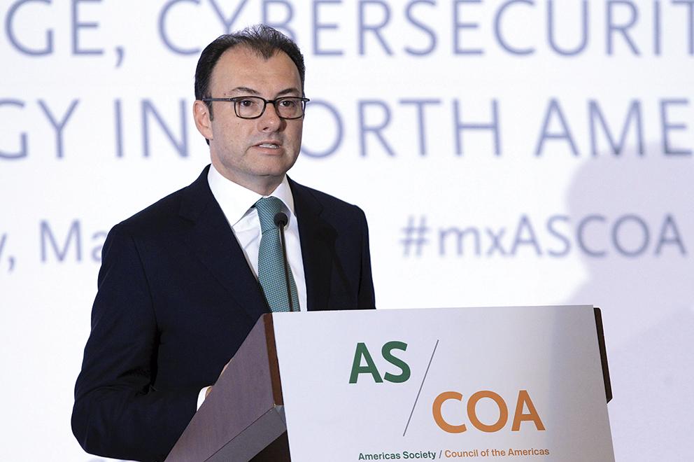 """Photo of """"En un entorno de bajo crecimiento global y con retos muy importantes a nivel internacional, la economía mexicana está mostrando un dinamismo relevante en su desempeño"""": Luis Videgaray"""