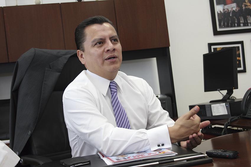 """Photo of """"Partidos políticos y gobiernos deben privilegiar el diálogo"""": Asambleísta Manuel Granados C."""