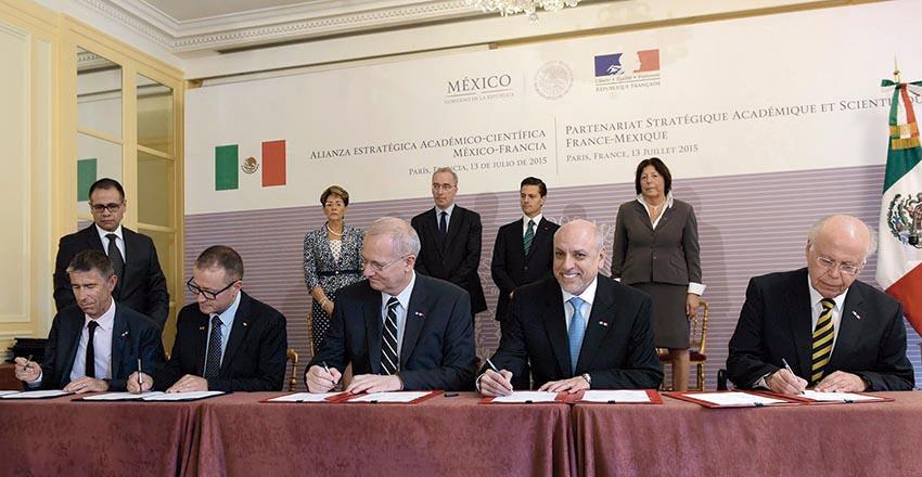 Photo of Firmaron México y Francia más de 60 Acuerdos de Cooperación en distintos ámbitos
