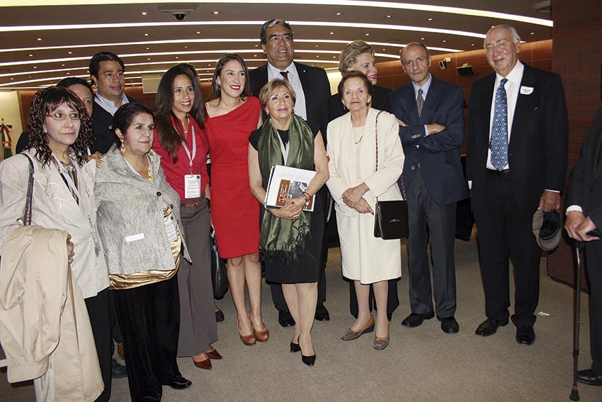 Photo of La Comisión Permanente del Congreso de la Unión rinde homenaje al periodista Enrique Ramírez y Ramírez