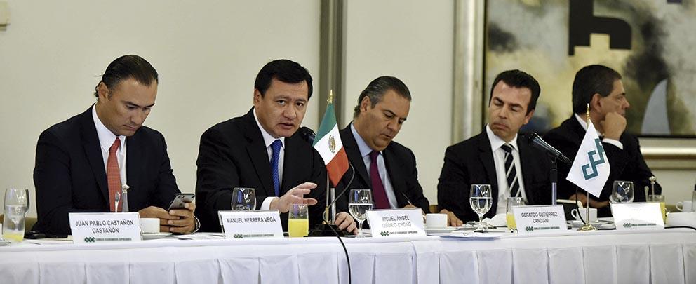Photo of Dialoga el Secretario de Gobernación, Miguel Osorio Chong, con el CCE sobre temas de la Agenda Nacional