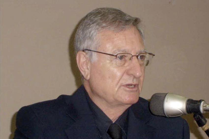 Photo of Homenaje en Honor al Dr. Ernesto Kahan