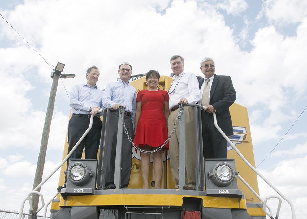 """Photo of """"Sustituir infraestructura anticuada"""", dice Penny Pritzker"""