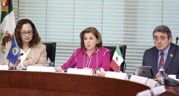 Photo of La Procuradora Arely Gómez González abre al público el expediente de Ayotzinapa