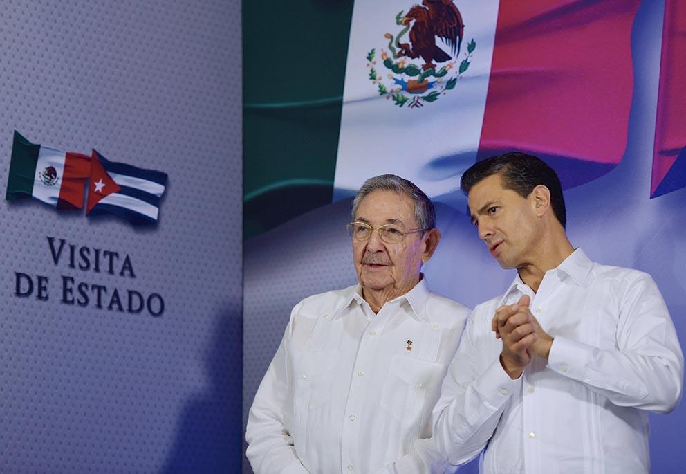 Photo of México recibe con los brazos abiertos a Raúl Castro Ruz