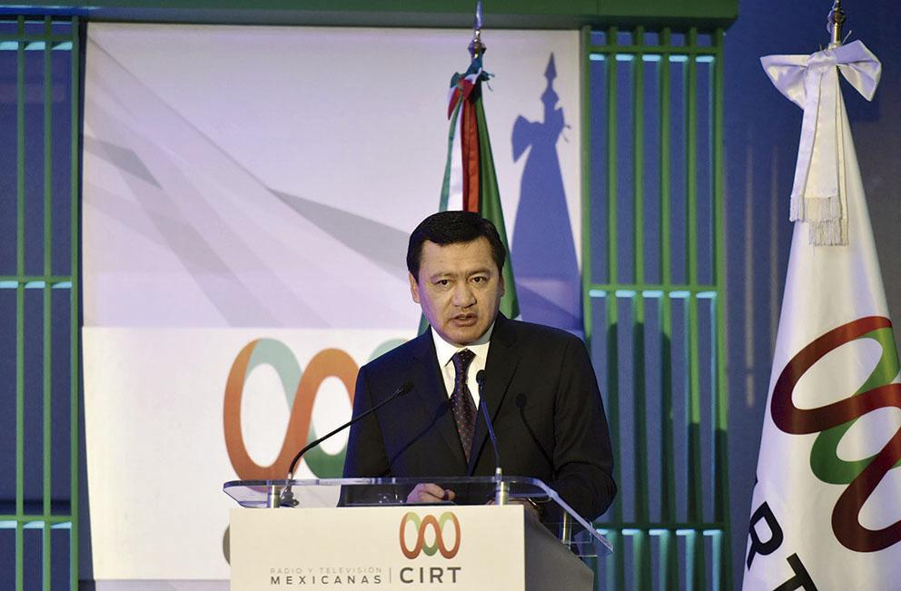 """Photo of """"Diálogo, Debate y Libre Manifestación de Ideas, construyen la democracia como la de México"""": Osorio Chong"""