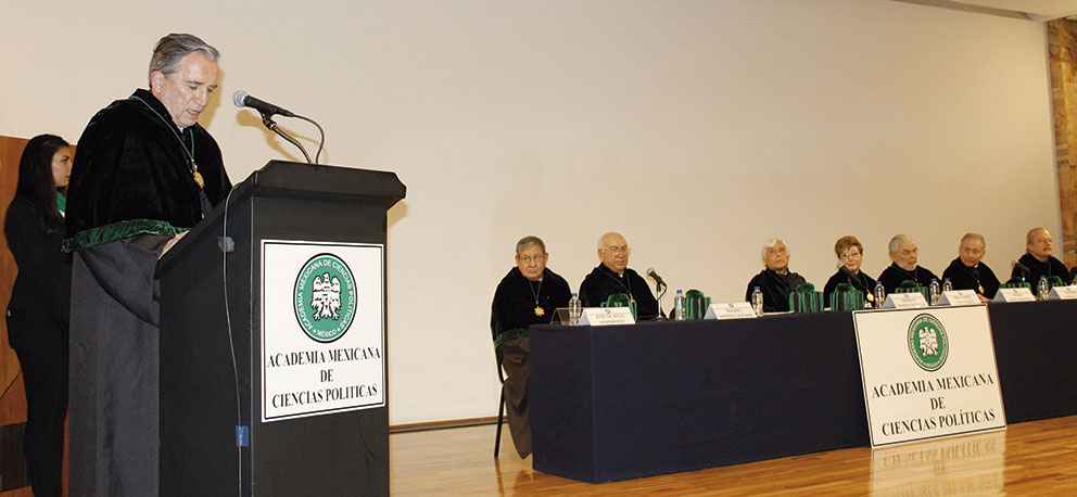 Photo of Carlos Reta Martínez ingresa como miembro de número a la Academia Mexicana de Ciencias Políticas