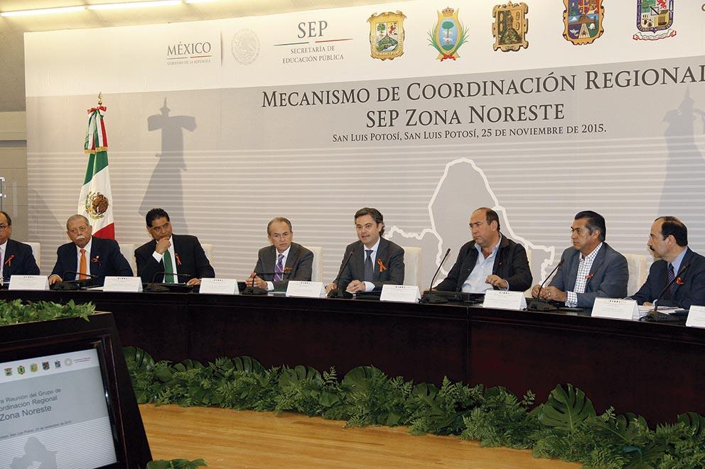 Photo of Gobernadores del noreste firman con el Secretario de Educación Pública laDeclaración Plan de San Luis por la Educación
