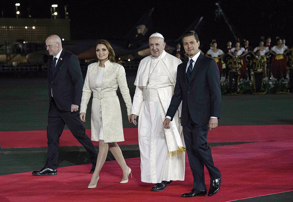 Photo of El Presidente Enrique Peña Nieto dio la bienvenida a México al Papa Francisco