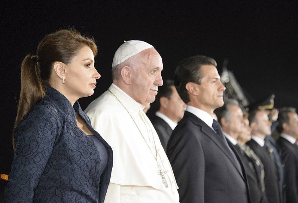 """Photo of """"México, una sorpresa"""", dijo el Papa al irse y vio """"luces de esperanza"""""""