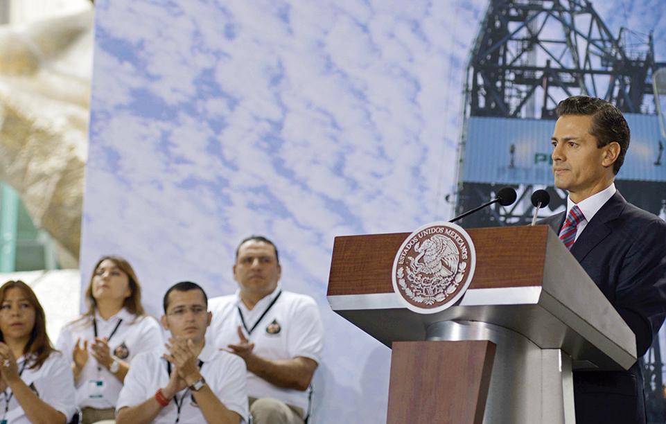 """Photo of """"Todo el apoyo del Gobierno a PEMEX"""": Presidente Enrique Peña Nieto"""