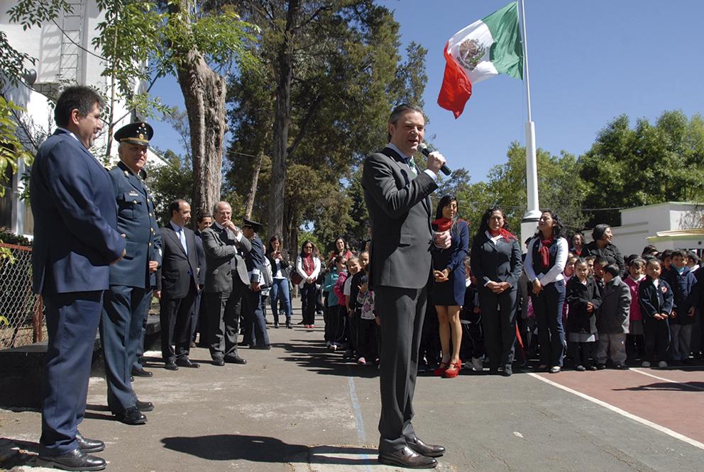 Photo of Garantiza Nuño Mayer que en Escuelas al CIEN se respete el orden de componentes de atención