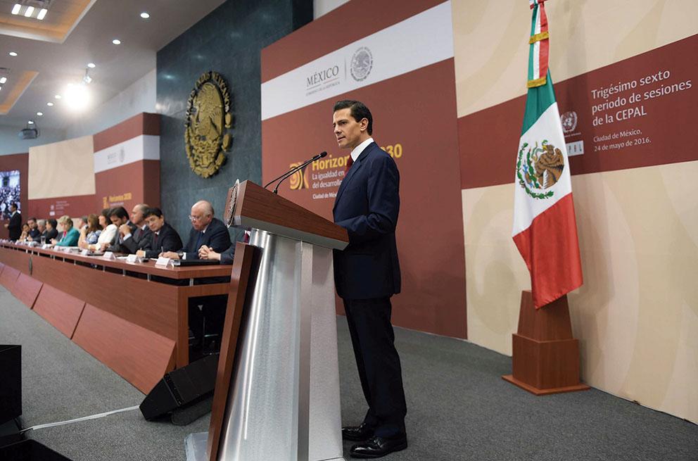 """Photo of """"Luchamos porque México sea una sociedad de derechos"""": Enrique Peña Nieto"""