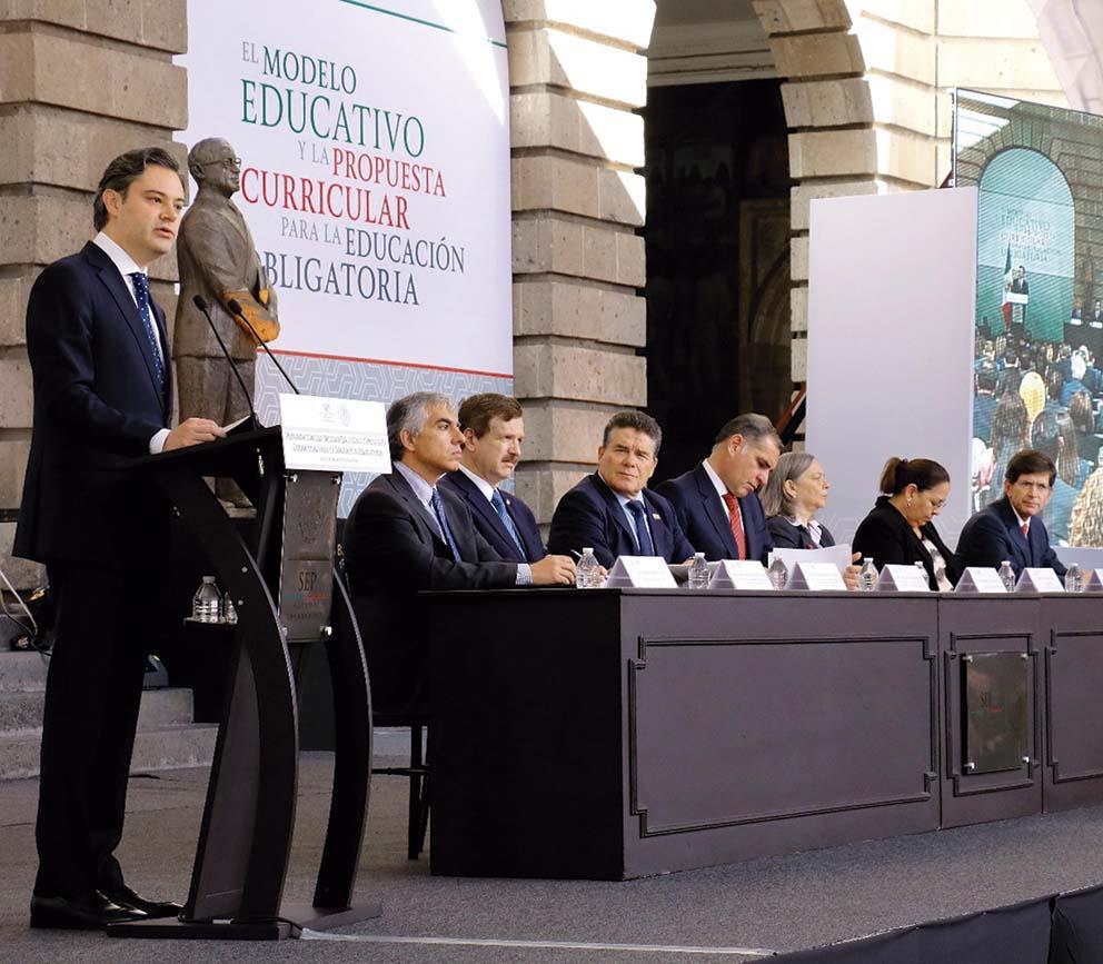 Photo of Presenta Aurelio Nuño Mayer Modelo Educativo y propuesta Curricular para la Educación Obligatoria, que serán discutidos a nivel nacional