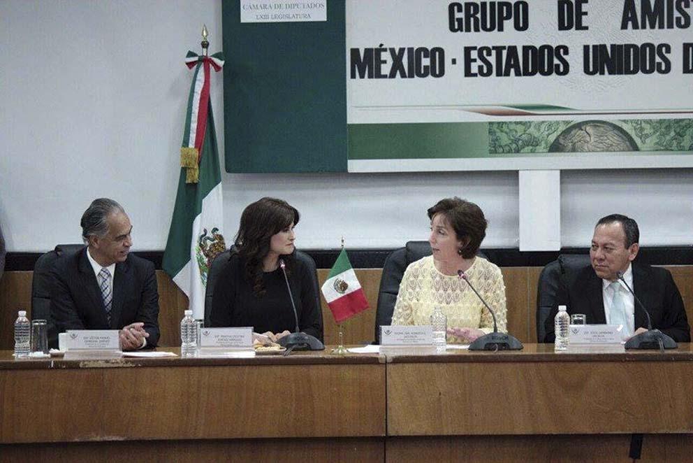 """Photo of La Embajadora Jacobson visita """"San Lázaro"""" y afirma la Amistad México–Estados Unidos"""