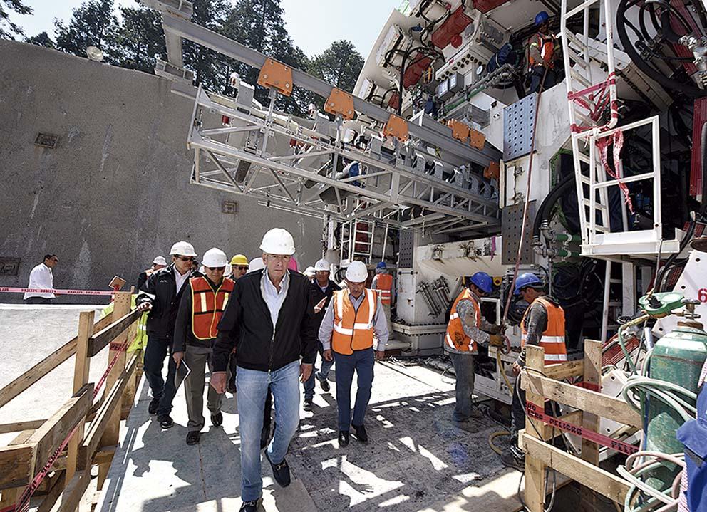 """Photo of Se construye con la tecnología más avanzada del mundo el Tren Interurbano México–Toluca"""": Gerardo Ruíz Esparza"""