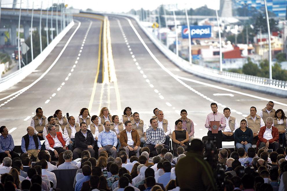 Photo of Inaugura el Presidente Enrique Peña Nieto, Viaducto Elevado Segundo Piso de Puebla