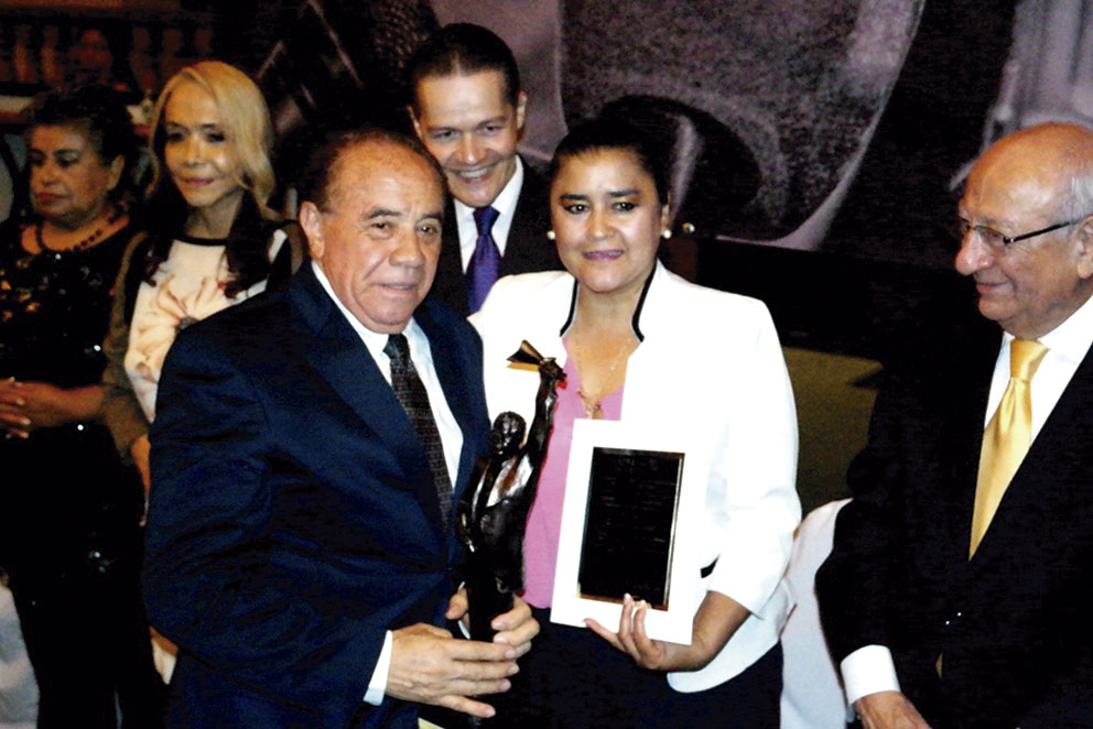 "Photo of ""Premio México de Periodismo 2016"", para José Luis Uribe Ortega"