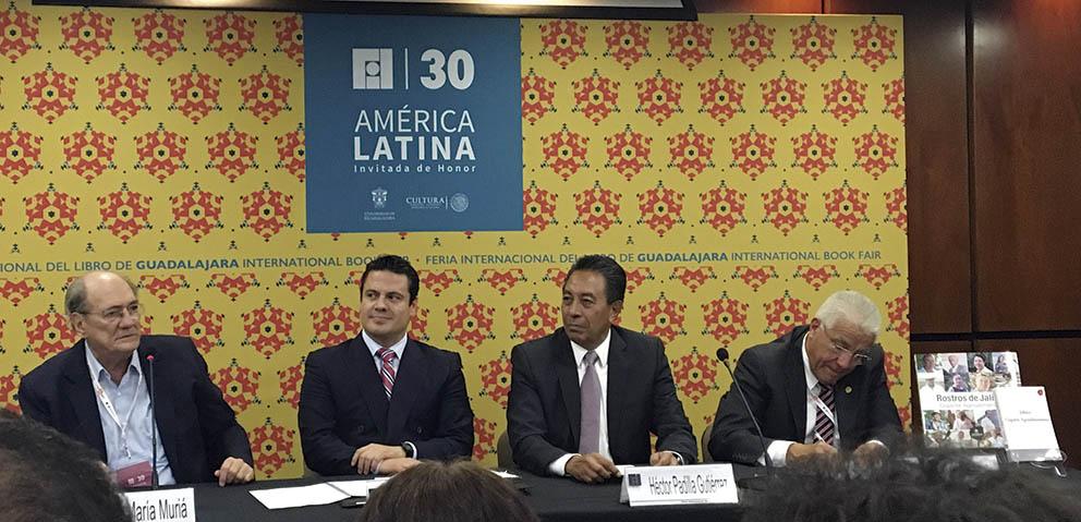 """Photo of Gobernador del Estado presenta los libros """"Rostros de Jalisco, Gigante Agroalimentario"""" y """"Gigante Agroalimentario"""",dentro de la Feria Internacional del Libro (FIL)"""