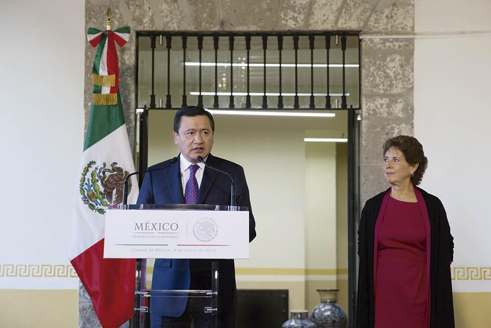 """Photo of """"Preservar, promover y difundir el patrimonio y la diversidad cultural de México, ofrece la nueva Secretaria de Cultura, María Cristina García Cepeda"""
