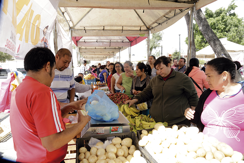 """Photo of Continúan caravanas """"Jalisco Produce, Jalisco Consume"""" en apoyo a economía familiar"""