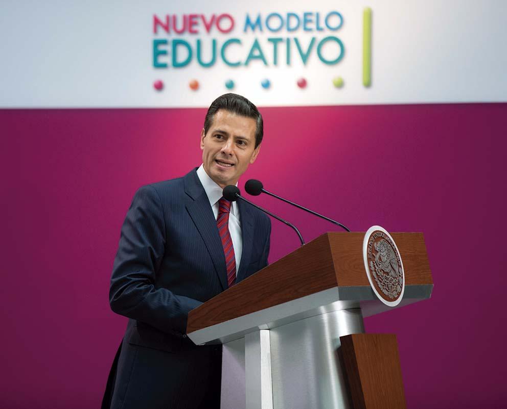 """Photo of """"México convoca a maestros, autoridades educativas y a padres de familia a emprender la Revolución Educativa más importante en el siglo"""": Enrique Peña Nieto"""