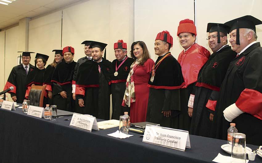 Photo of El Lic. Everardo Moreno Cruz recibe el grado de Doctor Honoris Causa de la Barra Nacional de Abogados