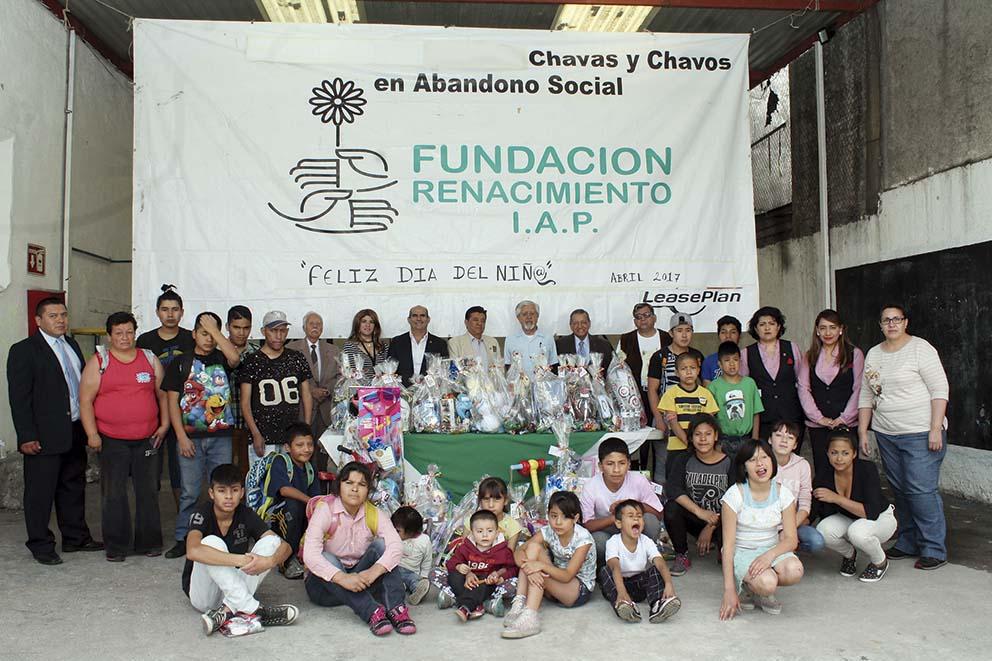 Photo of La Asociación Mexicana de Contadores Públicos, A.C., hace felices a niños de Tepito