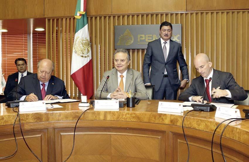 Photo of Pemex y el STPRM suscriben el Contrato Colectivo de Trabajo 2017-2019
