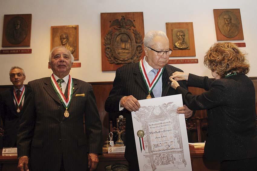 Photo of El Doctor Héctor D. Berea y Domínguez ingresa a la Sociedad Mexicana de Geografía y Estadística