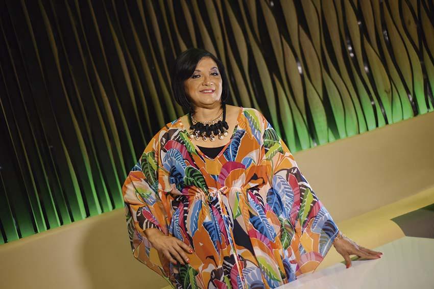Photo of Rosaura Villanueva Arzápalo muestra su Poder Femenino
