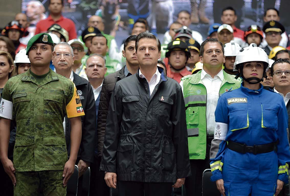 Photo of Llama el Presidente Enrique Peña Nieto a reconocer y poner por encima de la tragedia, la gran solidaridad que privó entre los mexicanos