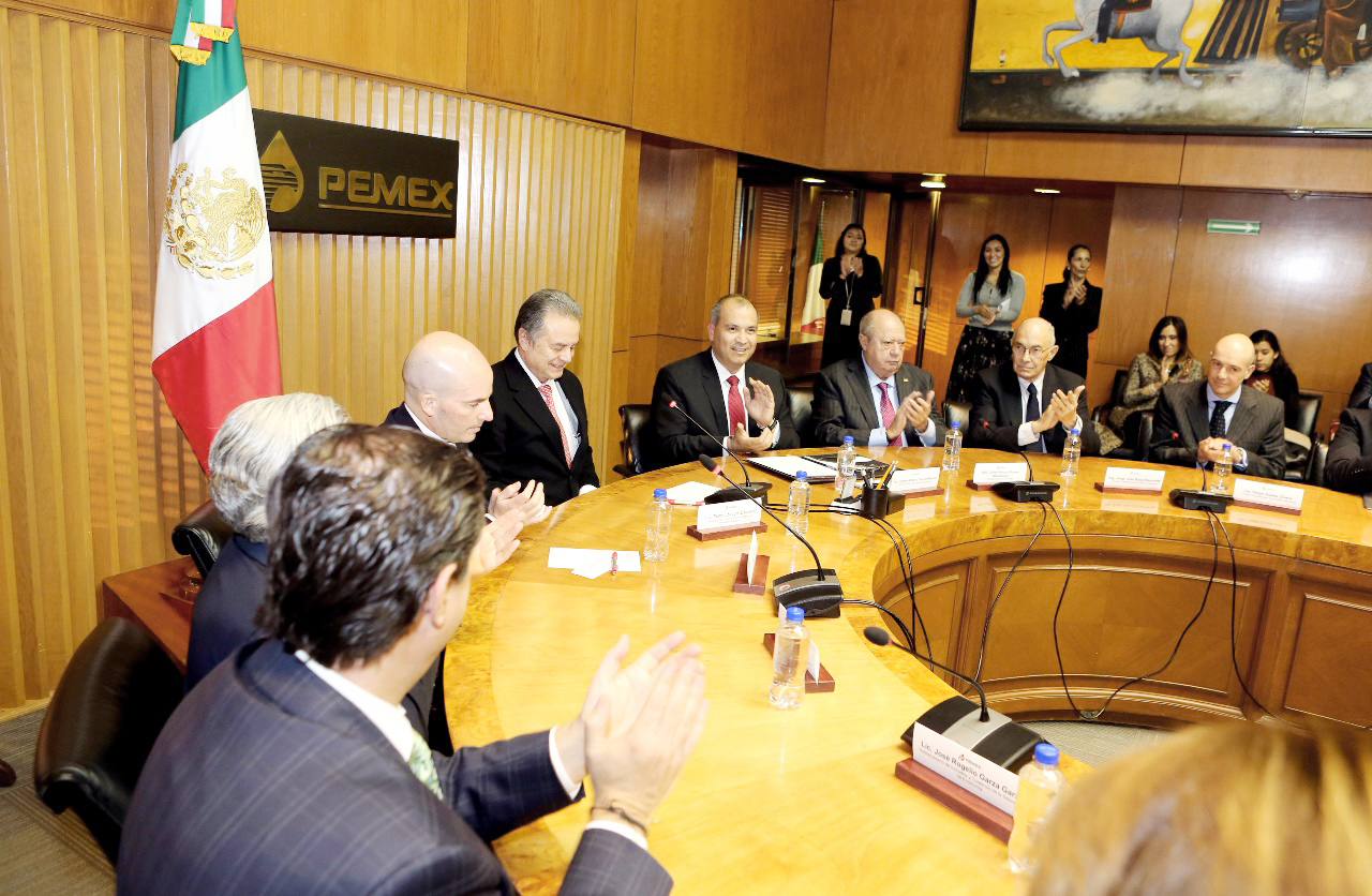 Photo of Toma posesión Carlos Treviño como director general de Pemex
