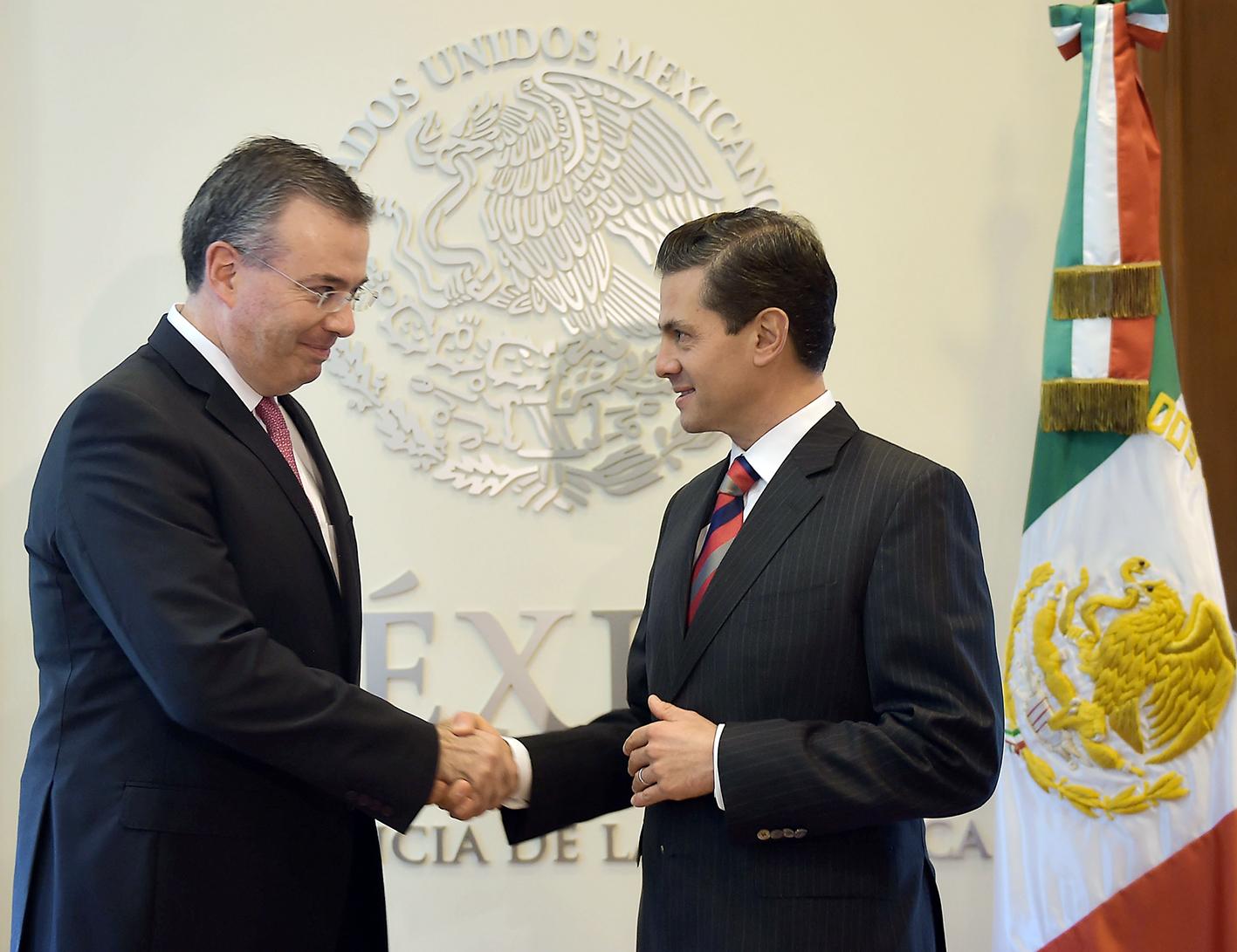 Photo of El Presidente Enrique Peña Nieto designó como Gobernador del Banco de México a Alejandro Díaz de León Carrillo