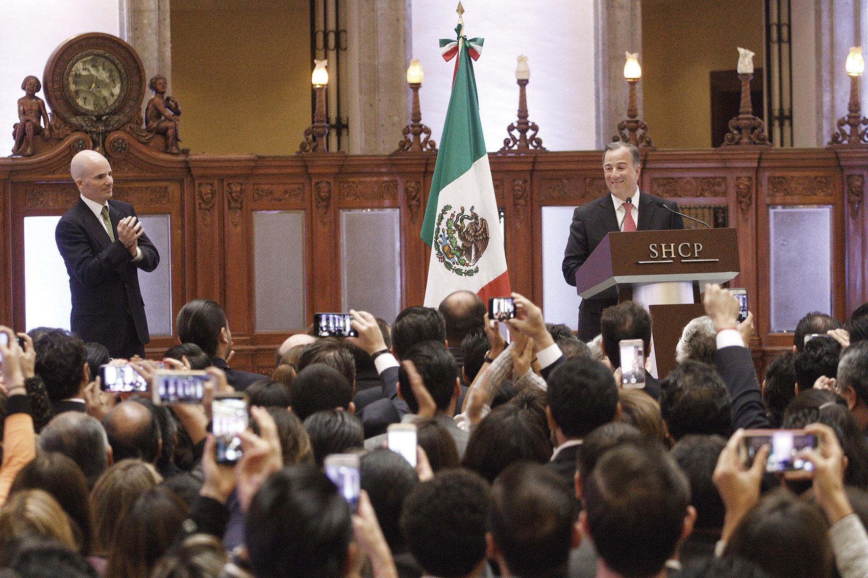 Photo of José Antonio Meade anunció su registro a la precandidatura a la Presidencia de la República por el PRI