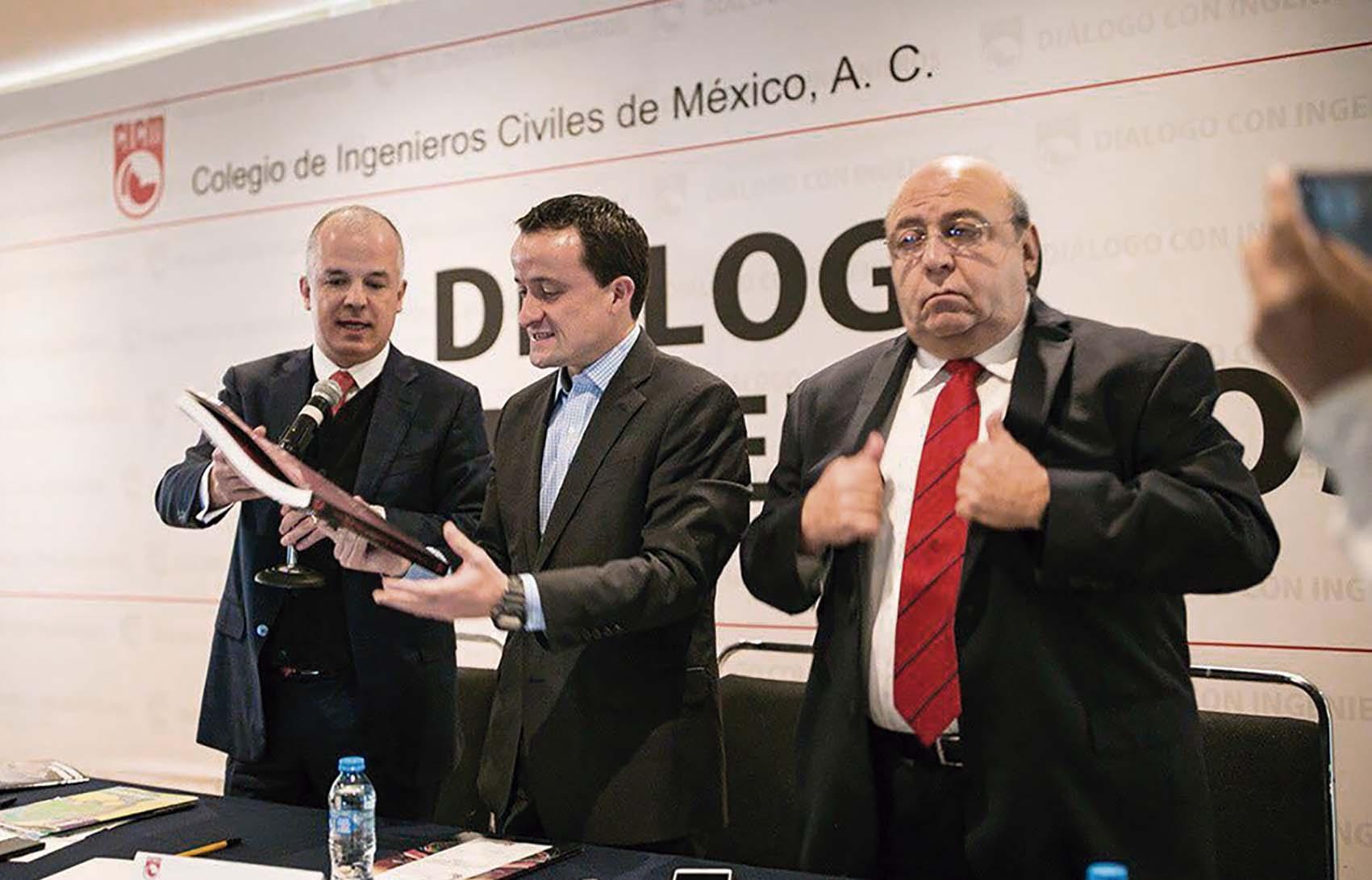 Photo of Ante el Colegio de Ingenieros, Mikel Arriola explicó cómo financiar los 5 Compromisos del Pacto para Transformar la Gran Ciudad
