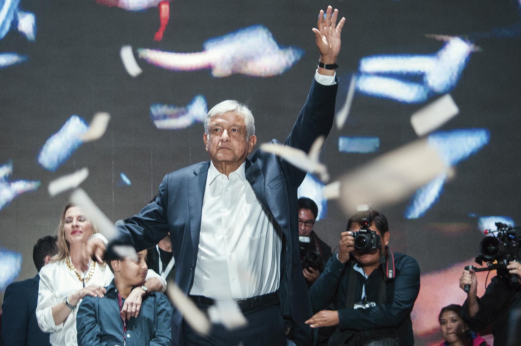 Photo of Agradece AMLO a Peña Nieto su comportamiento respetuoso en el proceso electoral, diferente al trato que le dieron Fox y Calderón