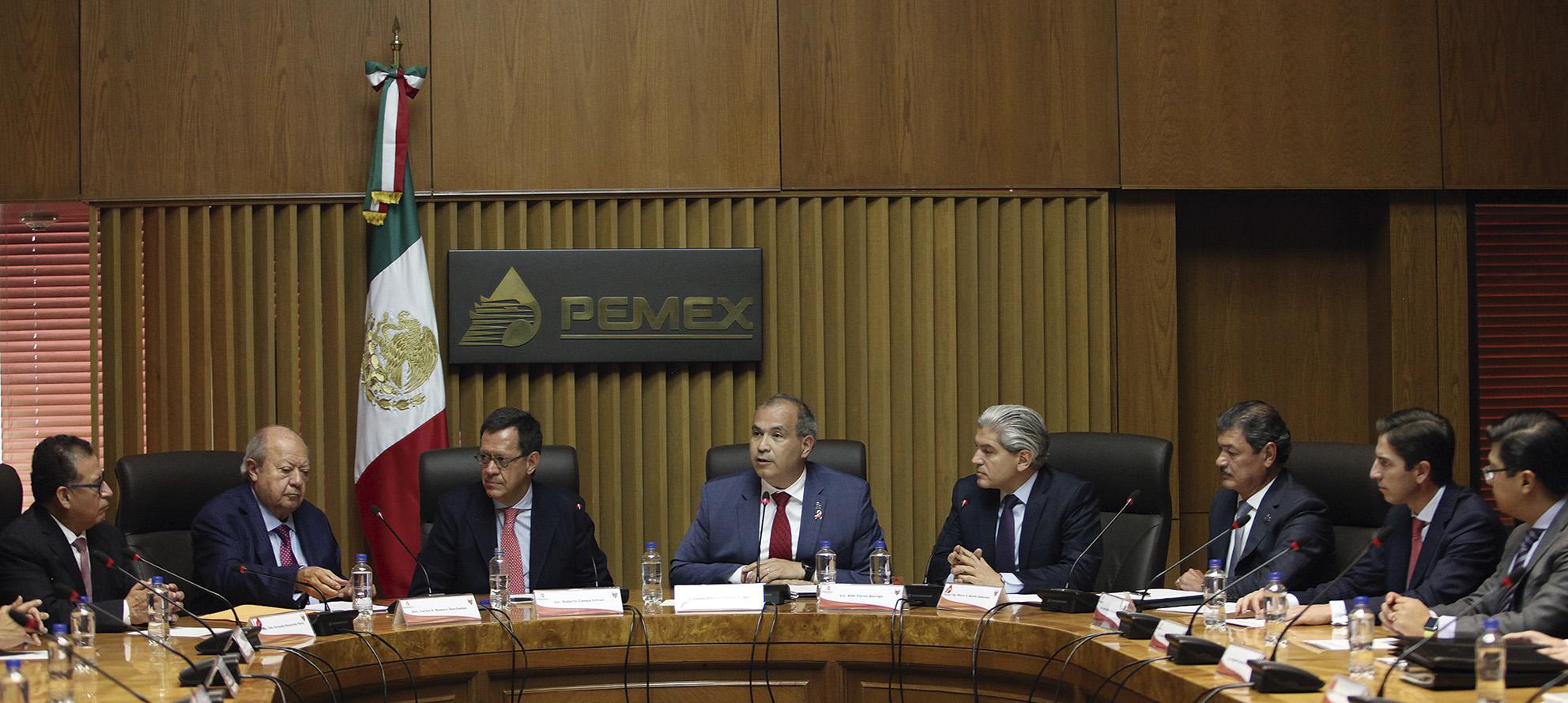 Photo of Firman Pemex y el STPRM Acuerdo de Revisión Salarial