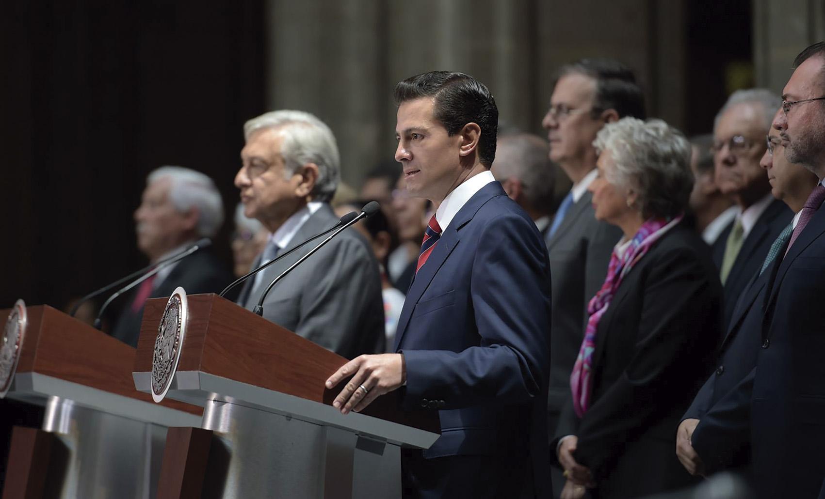 Photo of Conferencia de prensa conjunta que ofrecieron el Presidente Enrique Peña Nieto, y el Presidente Electo, Andrés Manuel López Obrador, en Palacio Nacional
