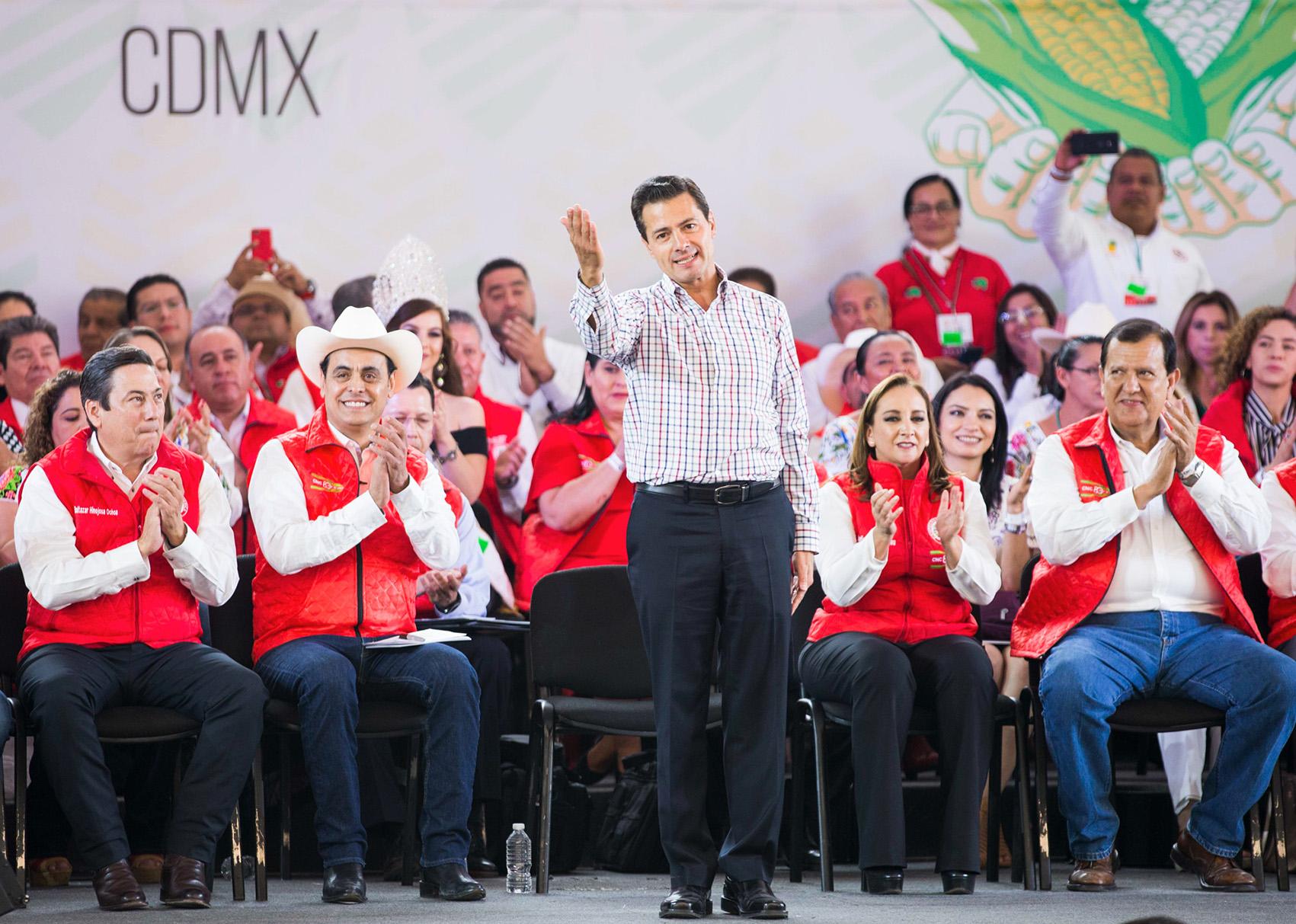 Photo of Hemos arribado a la concreción de un acuerdo que asegure la alianza comercial México-EEUU y siga promoviendo el bienestar para el país: EPN