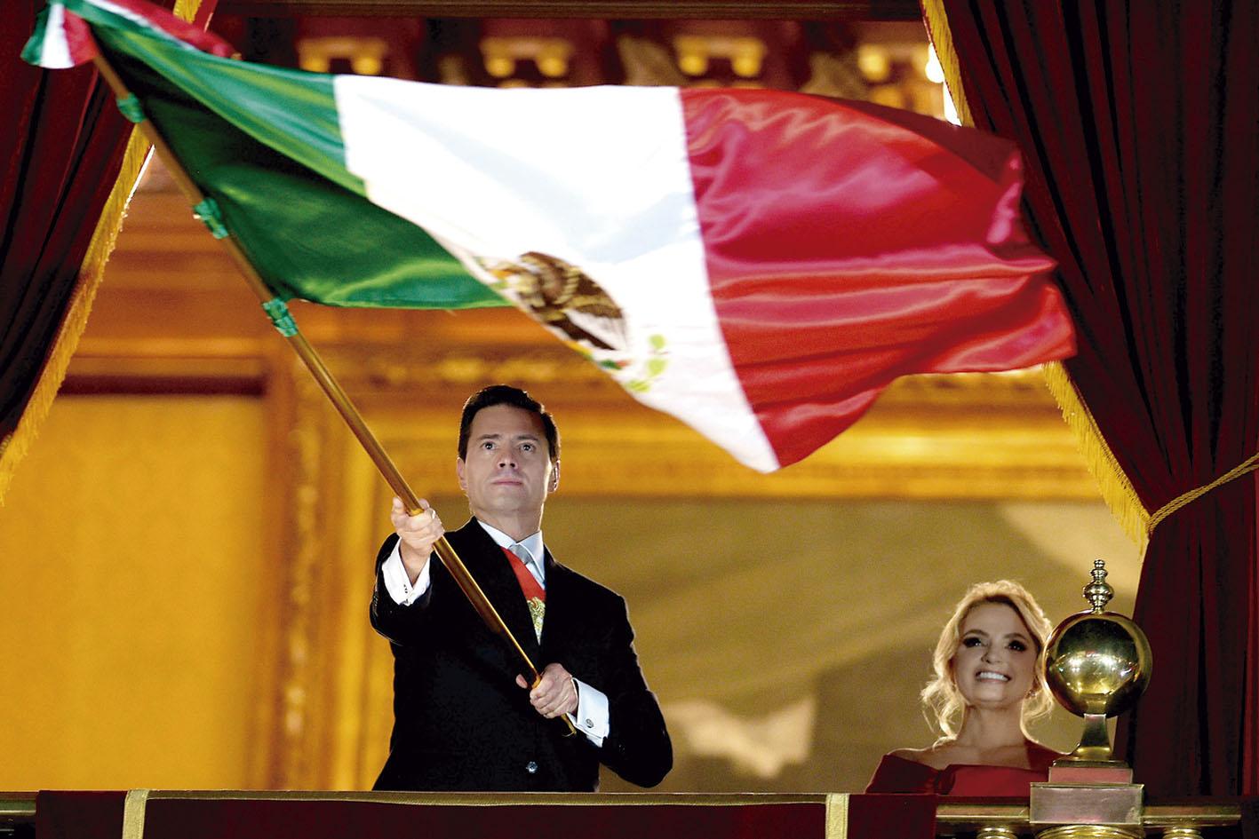 Photo of Deja Peña Nieto un país en crecimiento económico y estable en lo político y lo democrático, con avances sociales