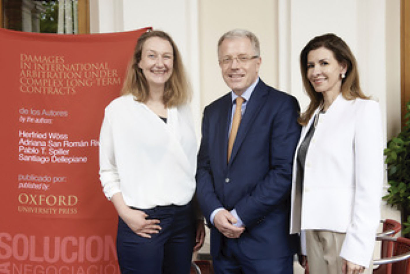 """Photo of El Dr. Herfried Wöss y la Maestra Adriana San Román Rivera, imparten Seminario Avanzado de """"Daños en Arbitraje Internacional"""""""