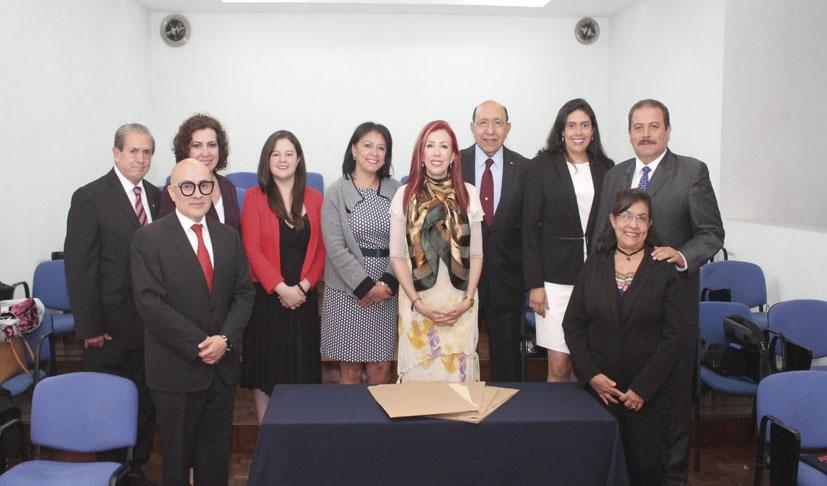 Photo of Adriana de la Fuente entrega la Certificación en Coaching a su 9a Generación