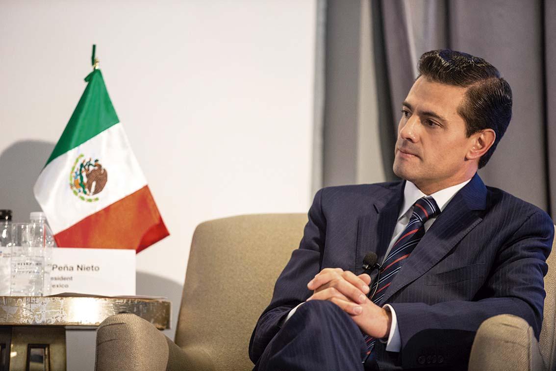 """Photo of """"La educación es el pilar y motor del desarrollo de cualquier Nación"""", subrayó Enrique Peña Nieto ante el Foro Económico"""