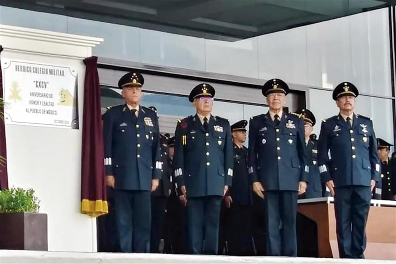 Photo of El Ejército Mexicano reconoció al ex Presidente Luis Echeverría Álvarez, constructor del H. Colegio Militar