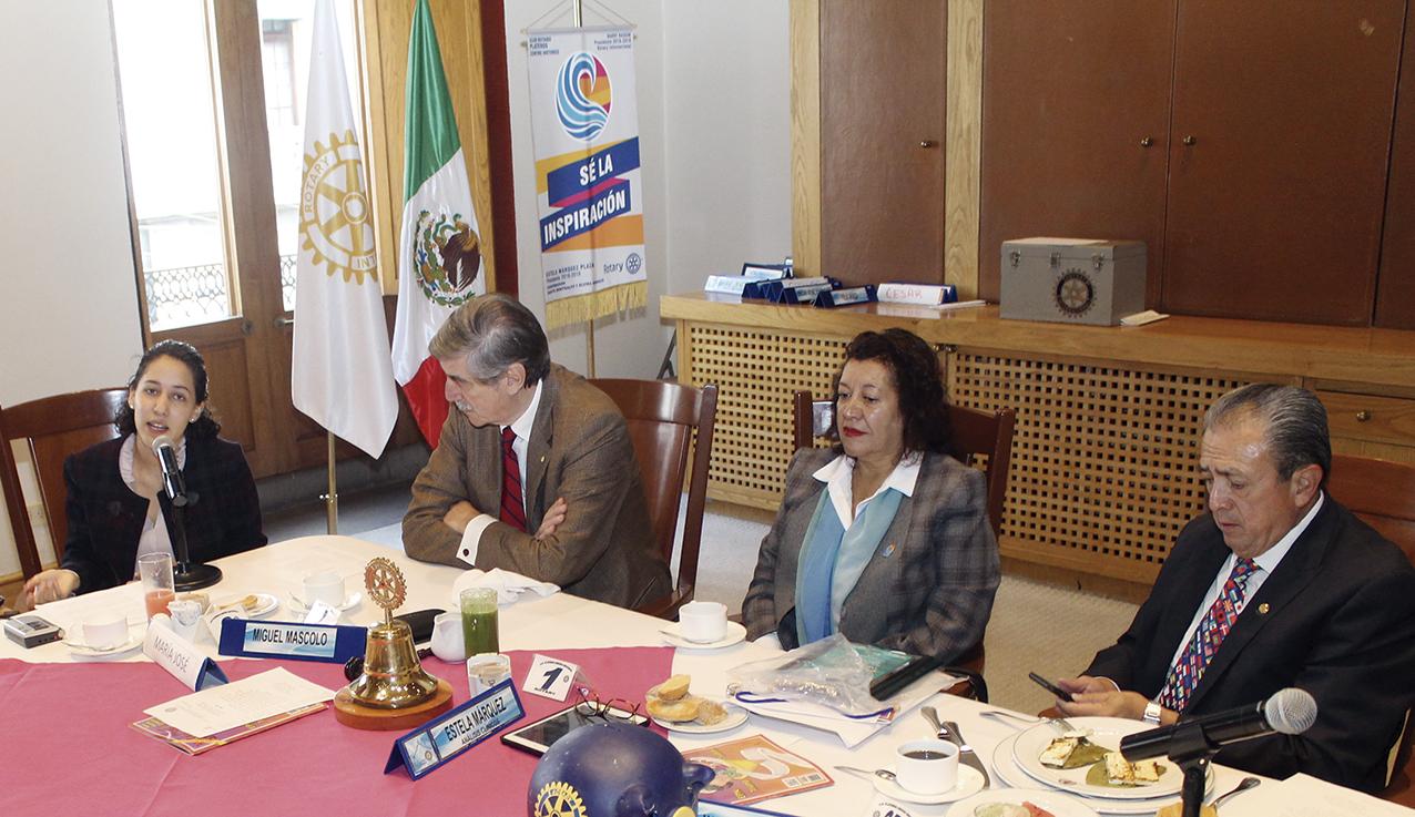 """Photo of La Lic. María José Jiménez Guzmán dice ante los Rotarios: """"Repensar Nuestra Historia"""""""
