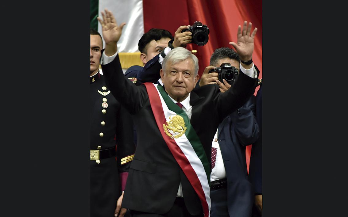 "Photo of ""Propondré una Ley de Punto Final"", dice Andrés Manuel López Obrador al iniciar su mandato"
