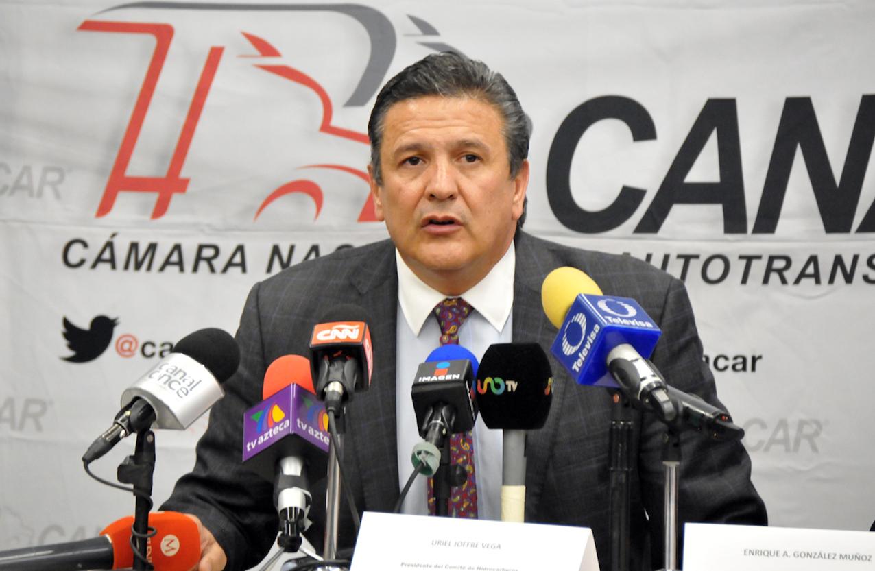 Photo of Establecen CANACAR y Pemex plan para agilizar abasto de combustibles
