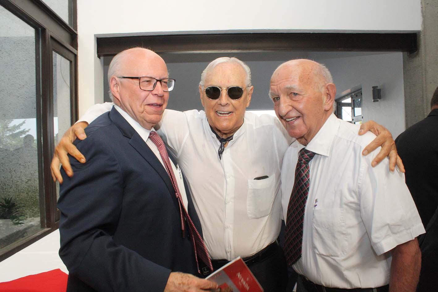 """Photo of Los """"Hombres del Poder"""", le brindan su simpatía al ex Rector José Narro Robles"""